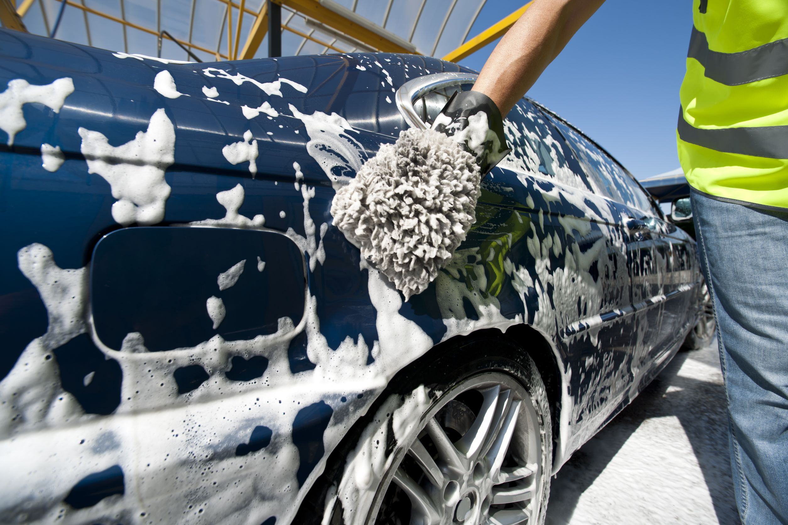 How to wash the car in the winter 60