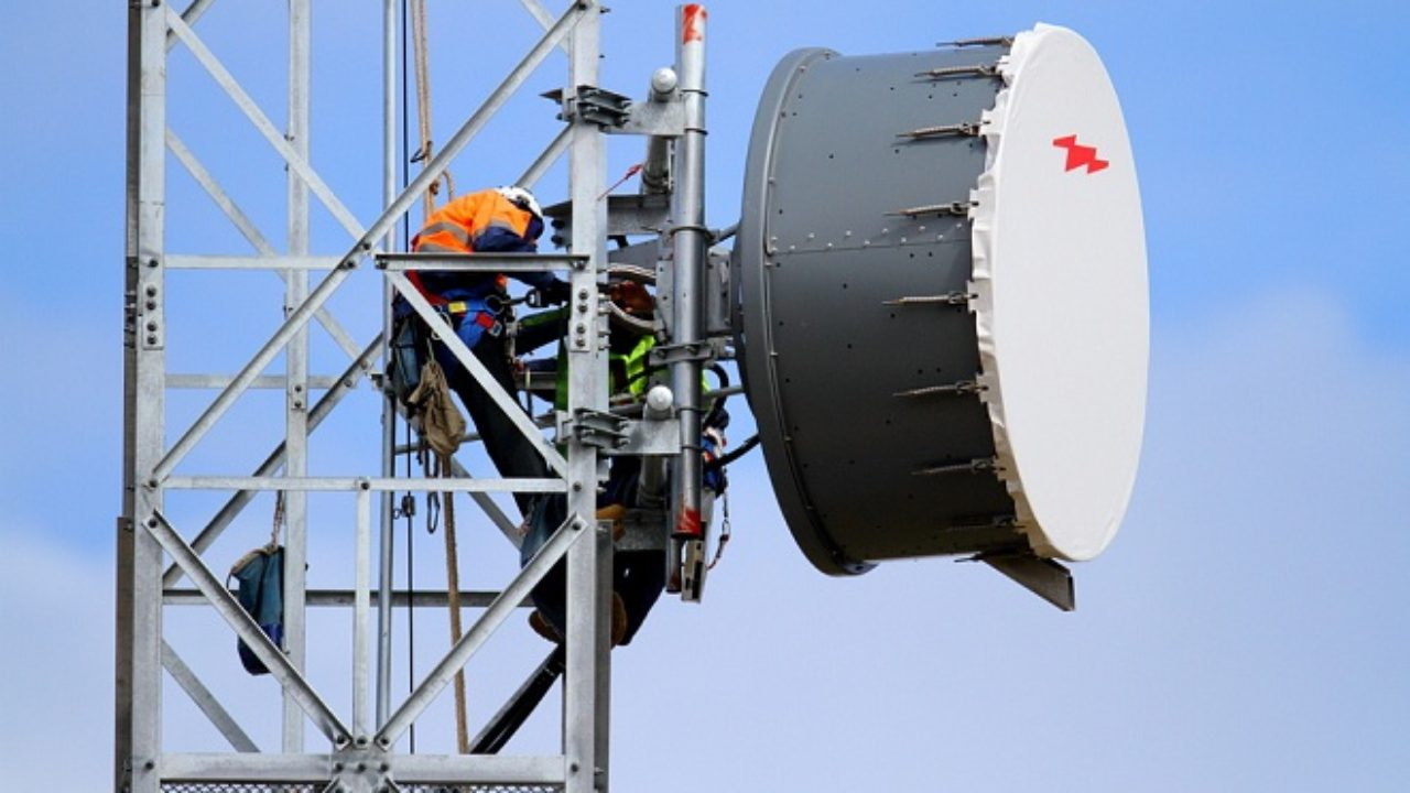 Pros And Cons Of Microwave Radio