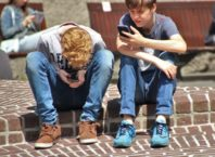boys cellphones children
