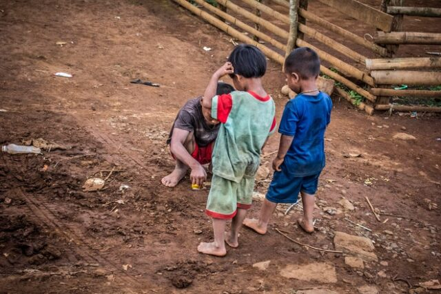 child play in mud